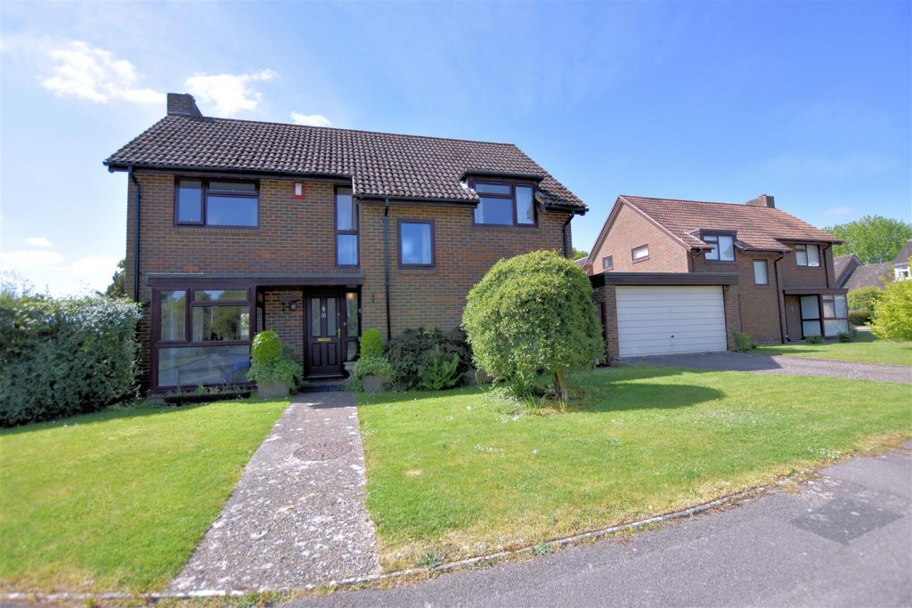 Orkney Close, Calcot, Reading